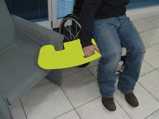 Umsetzhilfe Transferhilfe für Rollstuhlfahrer